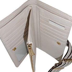 Michael Kors Bags - NWT MK gansevoort wallet